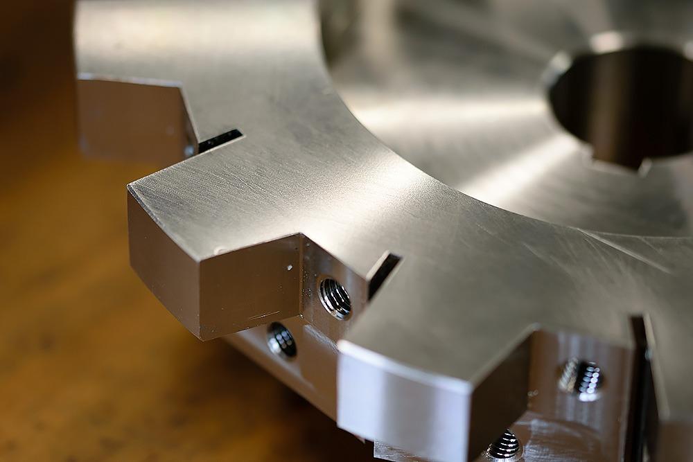 Spaantec CNC-Fräsen von Bohnenschnitter. Komponente in Nahansicht